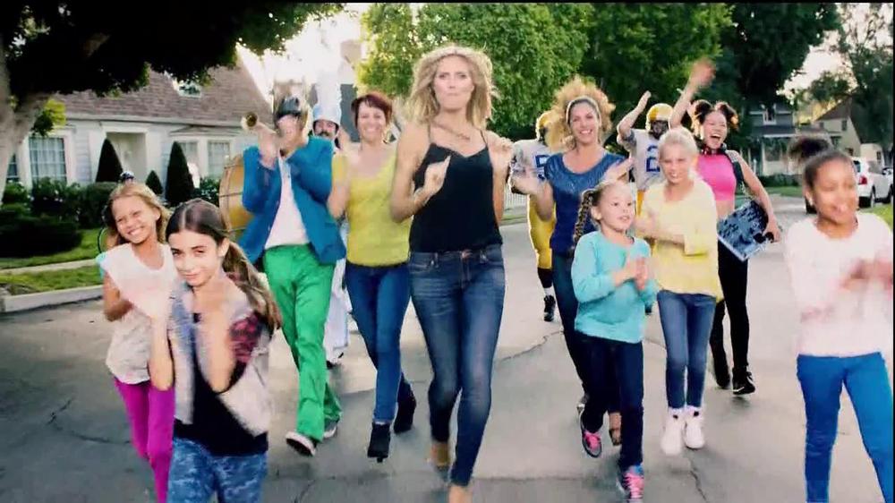 Jordache TV Commercial, 'Stayin' Alive' Featuring Heidi Klum