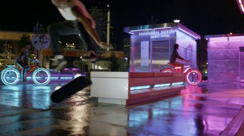 Travel Alberta TV Spot, 'Big City Nights' - Thumbnail 9