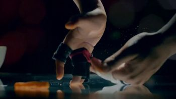 Cheetos TV Spot, 'Finger Fighters' - Thumbnail 6
