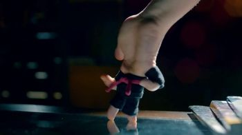 Cheetos TV Spot, 'Finger Fighters' - Thumbnail 7