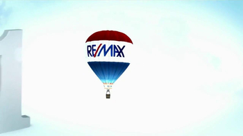 RE/MAX TV Spot, 'Perfect Fit: From Poker to Grandchildren' - Thumbnail 9
