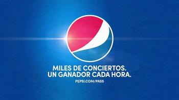 Pepsi TV Spot, 'But Only With Pepsi: Bear' [Spanish] - Thumbnail 6