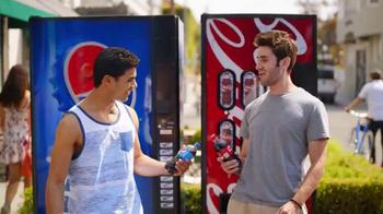 Pepsi TV Spot, 'But Only With Pepsi: Bear' [Spanish] - Thumbnail 2