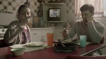 DIRECTV TV Spot, 'New Home' con Aarón Díaz [Spanish] - Thumbnail 7