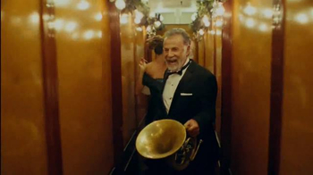 Dos Equis TV Spot, 'Most Interesting Man Perfects the Ding-Dong Ditch' - Thumbnail 7