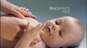 Aveeno Baby Daily Moisture Lotion TV Spot, 'Baby Lashes' - Thumbnail 7