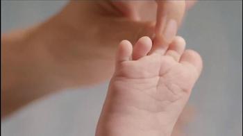Aveeno Baby Daily Moisture Lotion TV Spot, 'Baby Lashes' - Thumbnail 8