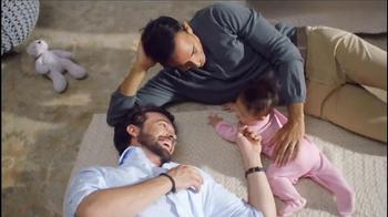 Aveeno Baby Daily Moisture Lotion TV Spot, 'Baby Lashes' - Thumbnail 9