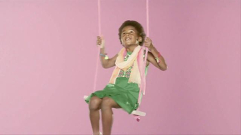 Target TV Spot, 'Just Hangin', TargetStyle' Song by Questlove - Thumbnail 7