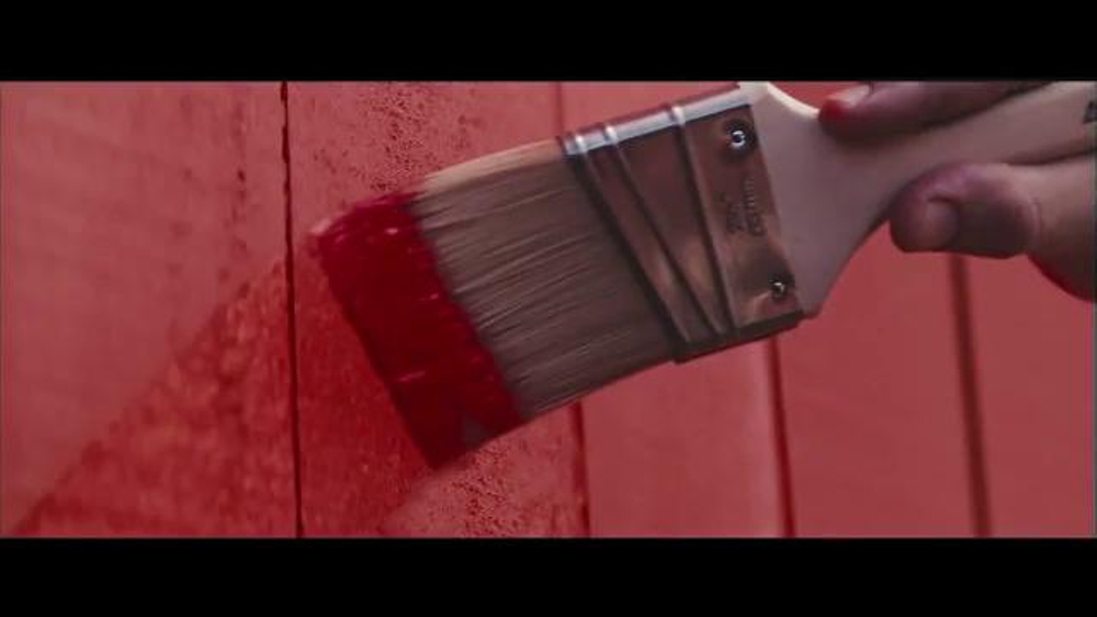 Benjamin Moore Aura Exterior Paint TV Commercial, 'The Red ...