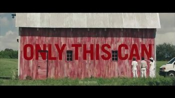 Benjamin Moore Aura Exterior Paint TV Spot, 'The Red Barn' - Thumbnail 10