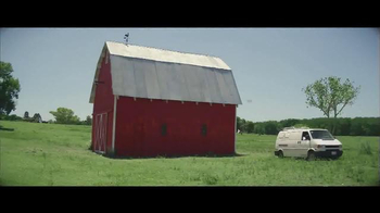 Benjamin Moore Aura Exterior Paint TV Spot, 'The Red Barn' - Thumbnail 3