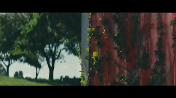 Benjamin Moore Aura Exterior Paint TV Spot, 'The Red Barn' - Thumbnail 8