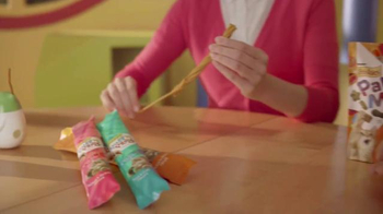 Friskies Pull 'n Play TV Spot, 'Playhouse' - Thumbnail 5