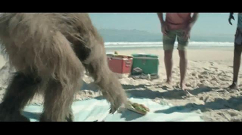 Jack Link's Beef Jerky TV Spot, 'Messin' with Sasquatch: Beach Hole' - Thumbnail 7