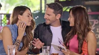 Univision Mobile TV Spot, 'Quejas en el bar' con Chiqui Delgado [Spanish] - Thumbnail 2