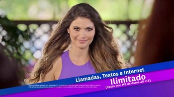 Univision Mobile TV Spot, 'Quejas en el bar' con Chiqui Delgado [Spanish] - Thumbnail 7