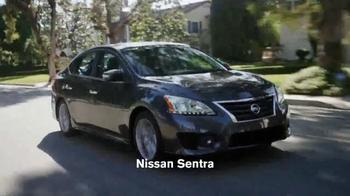 Nissan Sentra TV Spot, 'Funeral de Bernie' Canción de Miley Cyrus [Spanish - Thumbnail 8