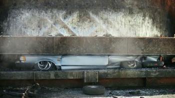 Nissan Sentra TV Spot, 'Funeral de Bernie' Canción de Miley Cyrus [Spanish - Thumbnail 4