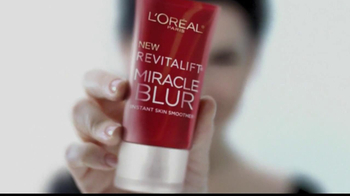 L'Oreal Revitalift Miracle Blur TV Spot Featuring Julianna Margulies - Thumbnail 10
