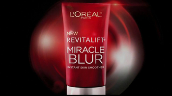 L'Oreal Revitalift Miracle Blur TV Spot Featuring Julianna Margulies - Thumbnail 3