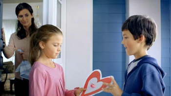 Hershey's Kisses TV Spot 'Valentine Kisses'  - Thumbnail 9