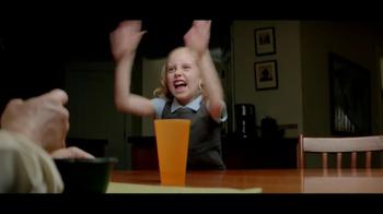 Kraft Macaroni & Cheese TV Spot, 'Bad Cop' - Thumbnail 8