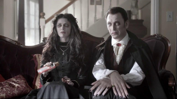 Nutri-Grain Fruit Crunch Bar TV Spot, 'Dracula'