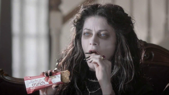 Nutri-Grain Fruit Crunch Bar TV Spot, 'Dracula' - Thumbnail 5