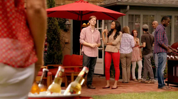 Redd\'s Apple Ale TV Spot, \'Backyard Party\'