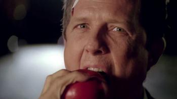 Allstate Super Bowl 2013 TV Spot, 'Mayhem: Apple' Featuring Dean Winters - Thumbnail 8