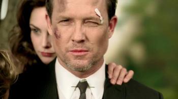 Allstate Super Bowl 2013 TV Spot, 'Mayhem: Apple' Featuring Dean Winters - Thumbnail 3