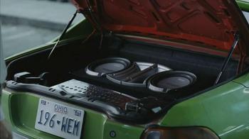 Volkswagen 2013 Tiguan S TV Spot, 'Grocery Run' Song by Chamillionaire - Thumbnail 3