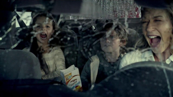 Goldfish TV Spot 'Car Wash' - Thumbnail 9