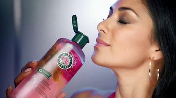 Herbal Essences Smooth & Shine TV Spot Feat. Nicole Scherzinger - Thumbnail 2
