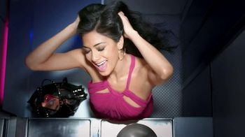 Herbal Essences Smooth & Shine TV Spot Feat. Nicole Scherzinger - Thumbnail 6