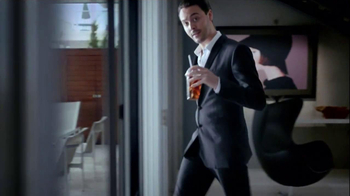 Guinness Black Lager TV Spot, 'Rooftop Party' Song by Gin Wigmore - Thumbnail 3