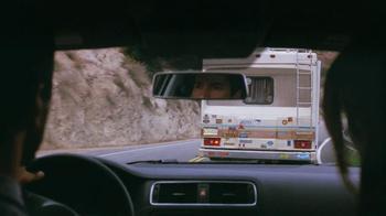 Volkswagen Jetta Hybrid TV Spot, 'Passing' Song by Carter Burwell - Thumbnail 5