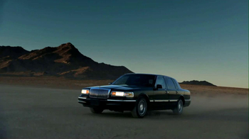 2013 Lincoln MKZ TV Spot, 'Phoenix' - Thumbnail 1