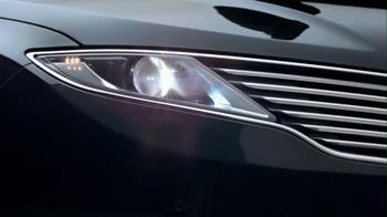 2013 Lincoln MKZ TV Spot, 'Phoenix' - Thumbnail 4