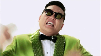 Wonderful Pistachios 2013 Super Bowl TV Spot Featuring PSY - Thumbnail 4