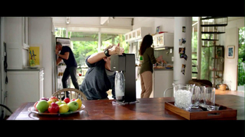 SodaStream TV Spot, 'Set the Bubbles Free' - Thumbnail 5