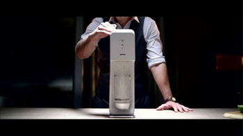 SodaStream TV Spot, 'Set the Bubbles Free' - Thumbnail 7