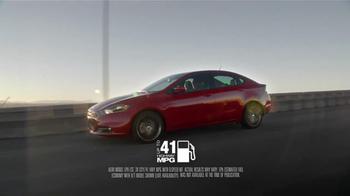 2013 Dodge Dart SXT TV Spot, 'Green Crowd, Critics, Tech Fanatics' - Thumbnail 4