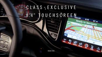 2013 Dodge Dart SXT TV Spot, 'Green Crowd, Critics, Tech Fanatics' - Thumbnail 6