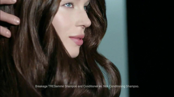 TRESemme Platinum Strength TV Spot, 'Bounce Back' Song by EJ - Thumbnail 9