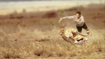 Skechers 2013 Super Bowl GOrun2 TV Spot, 'Man vs. Cheetah'  - Thumbnail 7