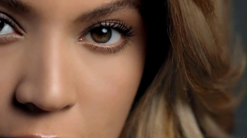 L'Oreal 2013 Super Bowl  TV Spot, 'Unique Story' Featuring Beyonce - Thumbnail 9