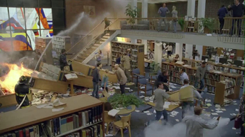 Oreo 2013 Super Bowl TV Spot, 'Library Fight' - Thumbnail 8