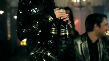 Budweiser Black Crown 2013 Super Bowl TV Spot, 'Party Walk-In' - Thumbnail 4